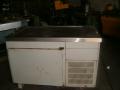 Подгряваща маса с хладилен шкаф с размери 140 х 85 х 95